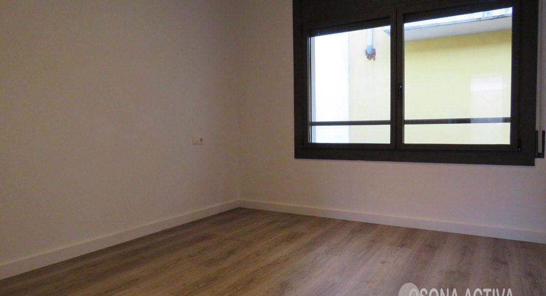habitació àtic Tona